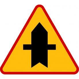 A-6a skrzyżowanie z drogą podporządkowaną występującą po obu stronach - znak ostrzegawczy