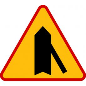 A-6d Wlot drogi jednokierunkowej z prawej strony - znak drogowy ostrzegawczy
