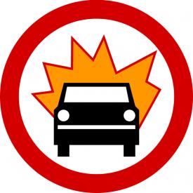B-13 Zakaz wjazdu pojazdów z towarami wybuchowymi lub łatwo zapalnymi - znak drogowy zakazu