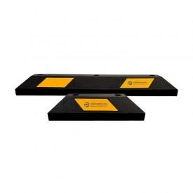 Ograniczniki z żółtą taśmą z logo/numeracją